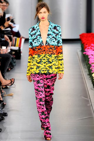 images/cast/10150291013987035=COLOUR'S COMPANY job on fabric x=mary katrantzou Summer 2012